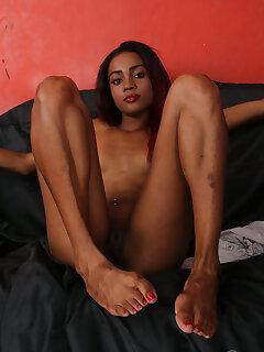 Ebony Feet Pictures
